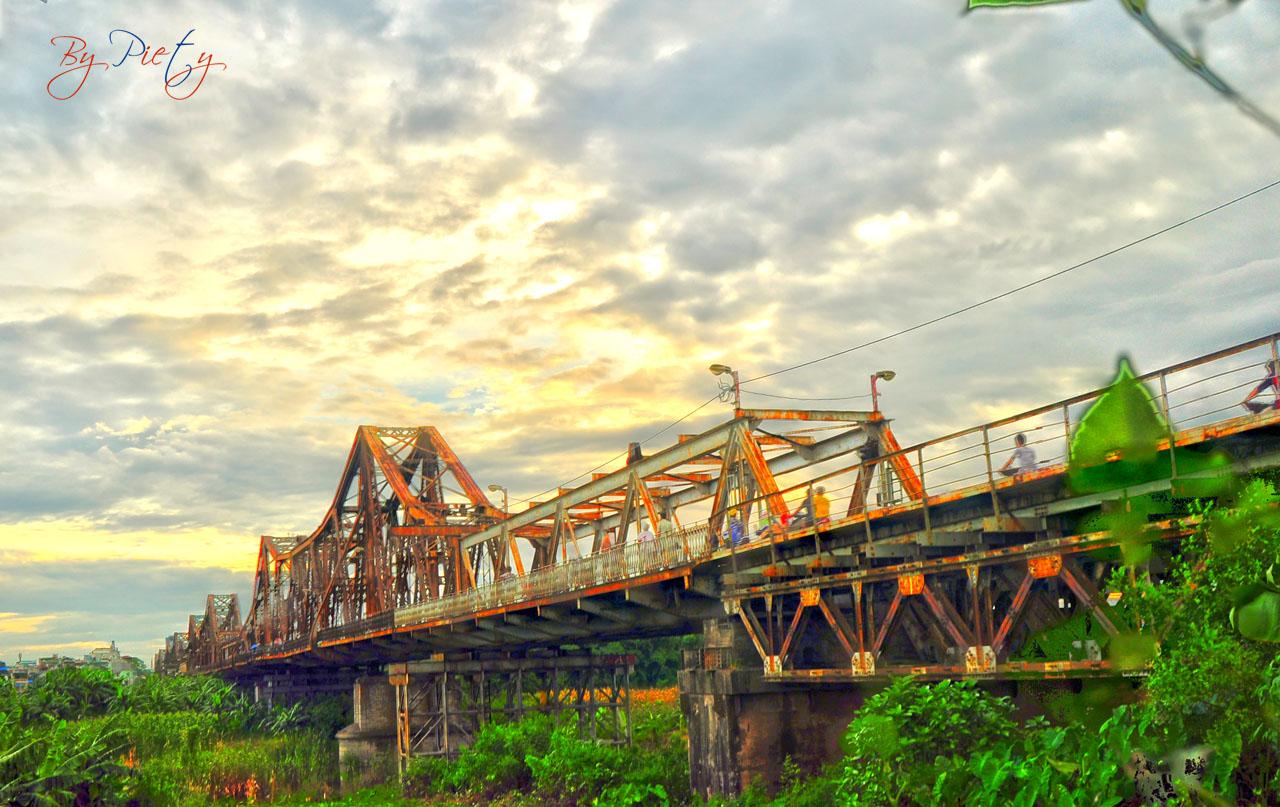 Ảnh hưởng của văn hóa nước ngoài trên văn hóa Việt Nam